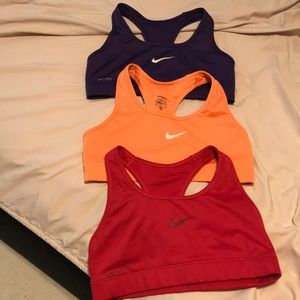 Nike sports bra. Used. In good condition. Size S
